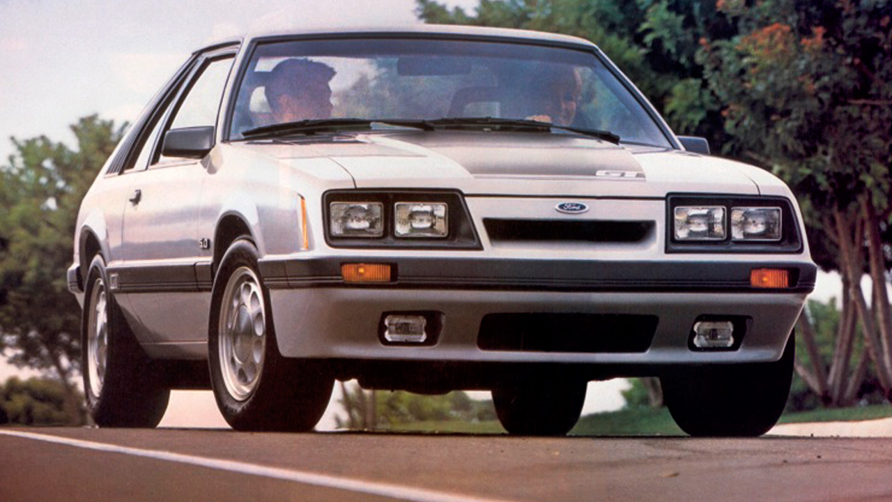 1985 mustang gt hatchback in silver