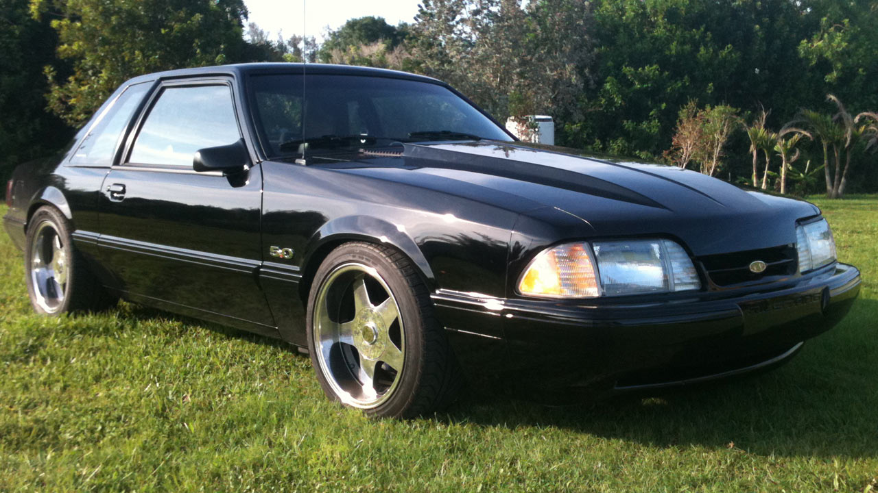 1992 Mustang Coupe, Black, with Deep Dish